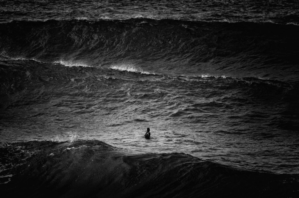 Luca Sanna - Waiting the wave